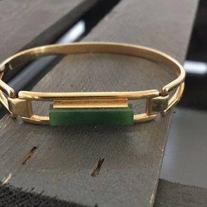 Vintage Avon Gold Tone Bracelet w/ Faux Green Jade